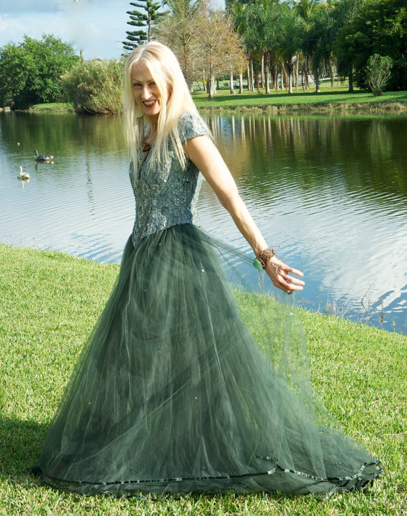 I'd feel so magical in this elegant, witchy, vintage gown from Vamp of Vintage.